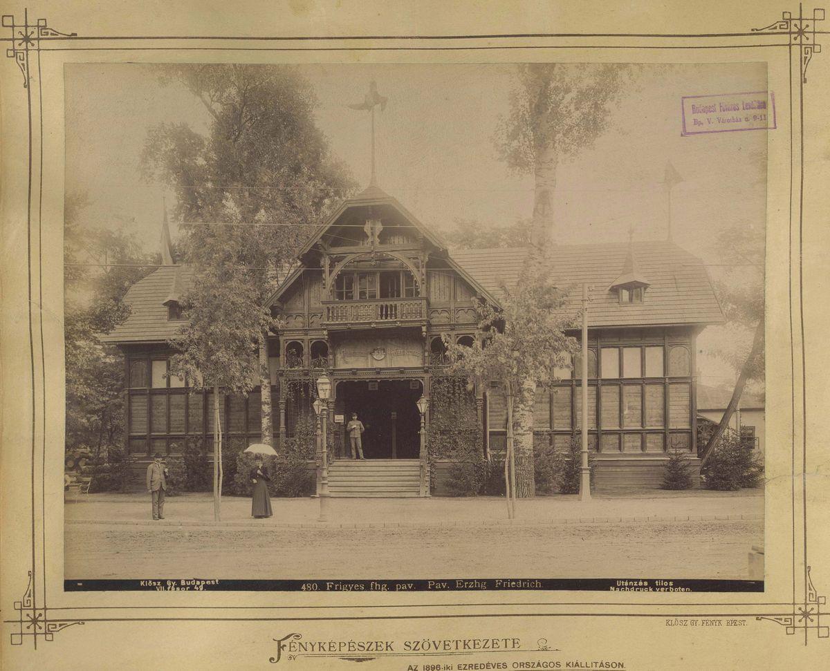 A pavilon egy korabeli fotón (Forrás: Fortepan)